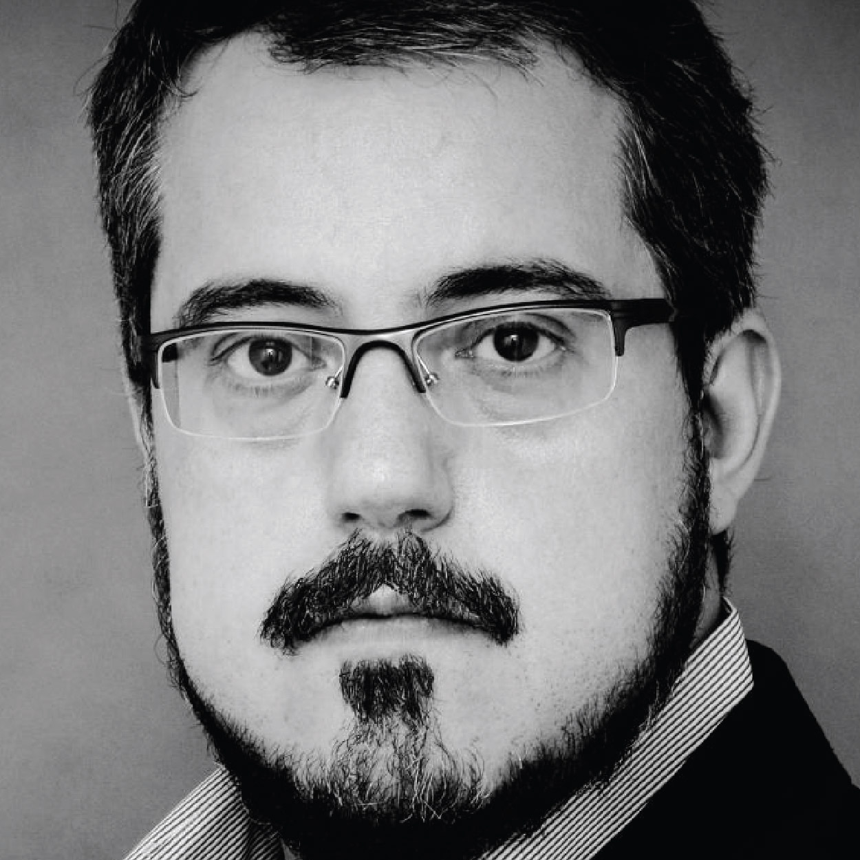 Igor Vieira stars as the wily Dr. Malatesta